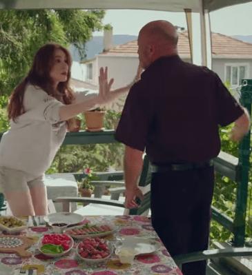 Episodul 1 din İyi Günde Kötü Günde (Zile bune, zile rele) cu Elçin Sangu,Yasemin Allen și Ozan Dolunay. Secvențe Video 8
