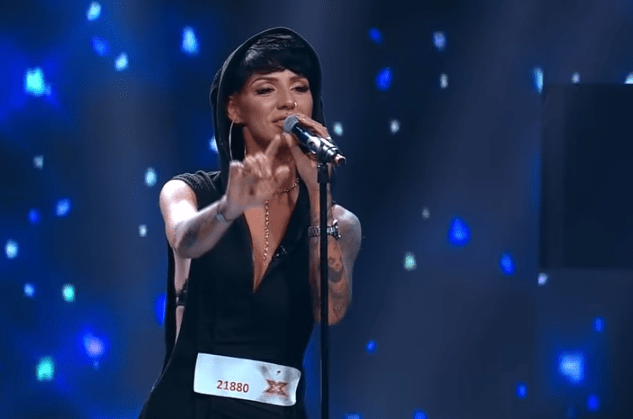 """Cristina Gheorghe, 28 ani, pe scena X Factor cu piesa """"We Don't Have to Take Our Clothes Off"""" 6"""