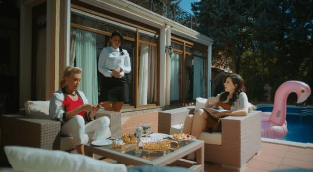 İyi Günde Kötü Günde (Zile bune, zile rele) Episodul 5 cu Elçin Sangu,Yasemin Allen și Ozan Dolunay. Secvențe Video 5