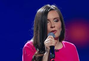 Simona Smultea, 32 ani, pe scena X Factor. Jurații au fost fascinați de optimismul și prestația ei