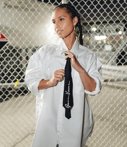 Alicia Keys Performs Her New Song 'Love Looks Better' in Sparkling Bodysuit by Kuwaiti Designer 4