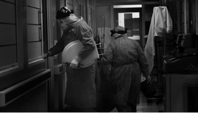 Actorul Benedict Cumberbatch, alături de artişti români, prezintă în proiecţii uriaşe lupta medicilor români cu virusul ucigaş 8