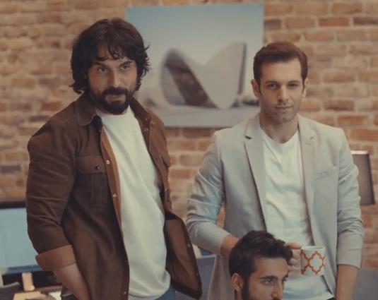 Episodul 13 Sen Çal Kapımı (Bate la ușa mea) cu Hande Erçel Și Kerem Bürsin.Secvențe Video 27