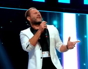 """Enrico Bernardo, 47 ani, din Napoli, senzație pe scena X Factor:""""When A Man Loves A Woman"""""""