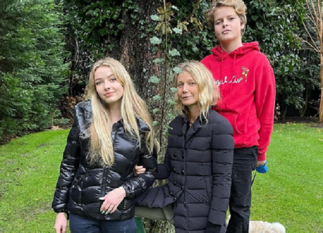 Gwyneth Paltrow, 48, and her kids visit her father Bruce's 'resting place' 7