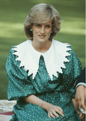 """8 costumes from """"The Crown"""" inspired by Princess Diana's best fashion moments 7"""