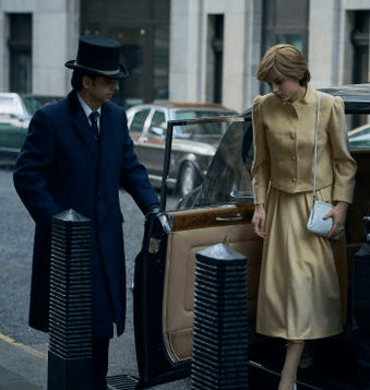 """8 costumes from """"The Crown"""" inspired by Princess Diana's best fashion moments 10"""