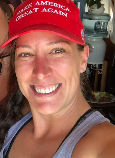 Femeia împușcată mortal de poliție în Capitoliu era Ashli Babbitt, fost militar timp de 14 ani 7