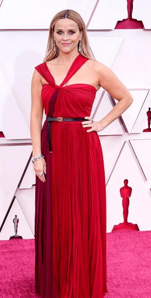 Covorul roșu Premiile Oscar 2021: cele mai bine îmbrăcate vedete 2