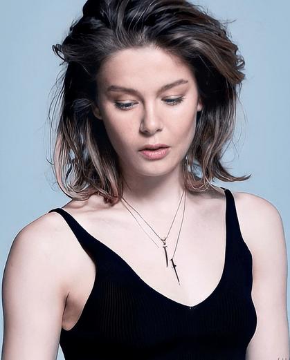 Burcu Biricik, frumoasa actriță din Camdaki Kız 4