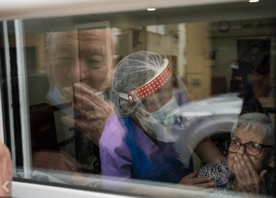 Spania:Povestea impresionantă a doi soți de 90 de ani în pandemie 7