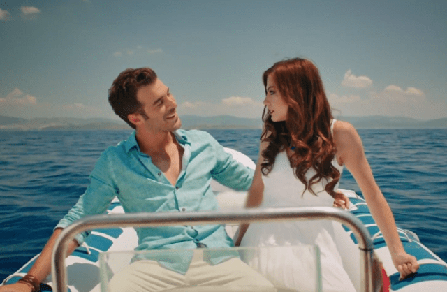 Çilek Kokusu (Miros de căpșuni), comedie romantică 7