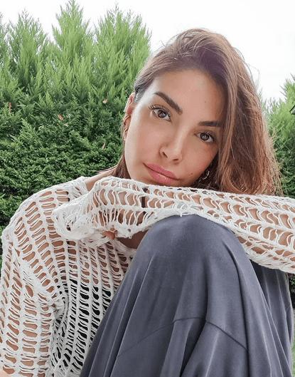 Actrița turcă Deniz Baysal Yurtçu, talent și frumusețe naturală 6