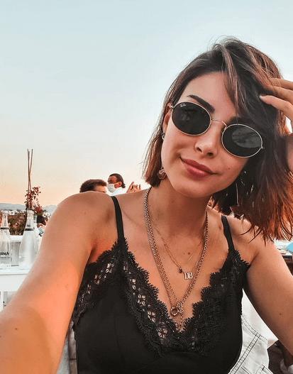 Actrița turcă Deniz Baysal Yurtçu, talent și frumusețe naturală 4