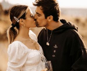 Actorul İbrahim Çelikkol într-o ipostază romantică alături de soție