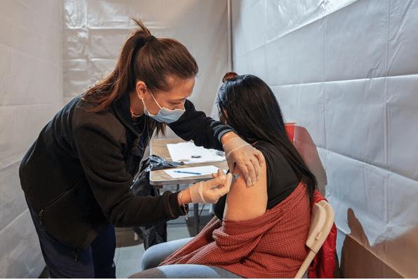 Vaccinul Johnson&Johnson poate crea o afecțiune rară, avertizează FDA
