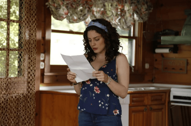 Seren Sirince în serialul İlişki Durumu Karışık