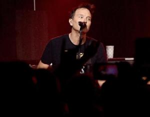 """Mark Hoppus, de la Blink-182: """"Sunt fără cancer!"""""""