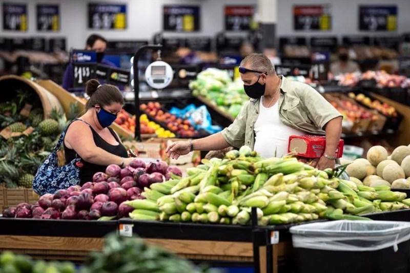 La recuperación de empleos en Estados Unidos ha sido impulsada por la reactivación del consumo que crece con fuerza. (EFE)