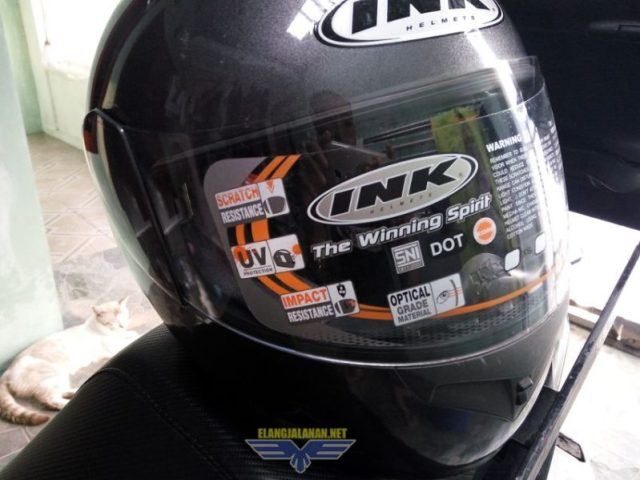 Ganti Kaca Helm di bengkel Service Helm