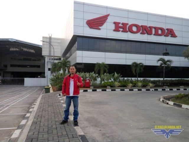 Melihat langsung proses perakitan sepeda motor Honda