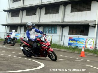 Latihan Safety Riding bareng Blogger dan Vlogger