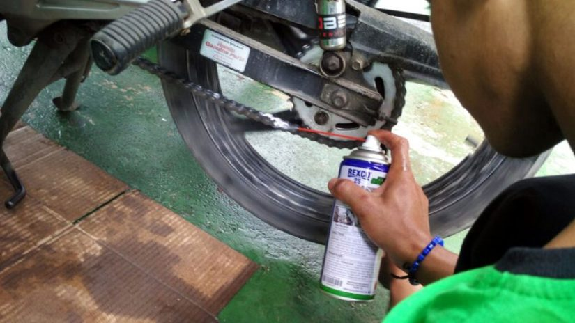 Tekiro Tools Gelar Program Ganti Oli Motor Gratis