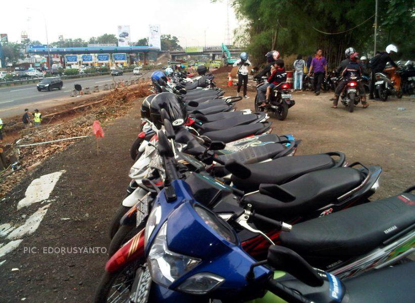 Parkir Motor Cibubur Junction Tidak Aman