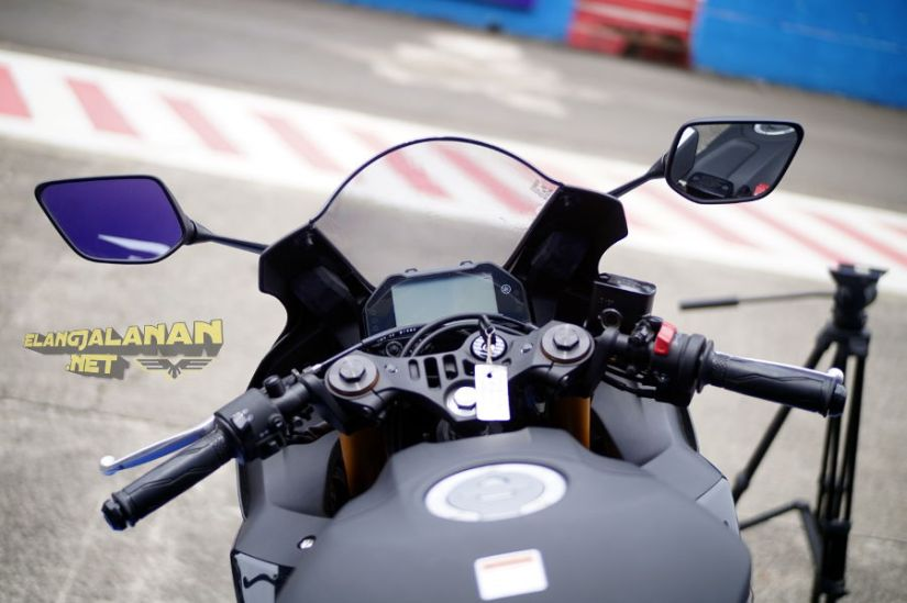 Test Ride New Yamaha R25