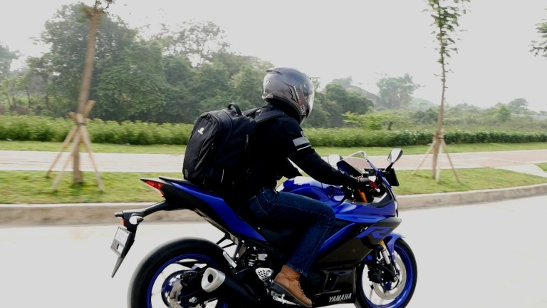 Vlog Review Yamaha New R25 buat Harian (Guest Blog)