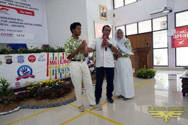 Wahana Sosialisasi Safety Riding di SMK 63