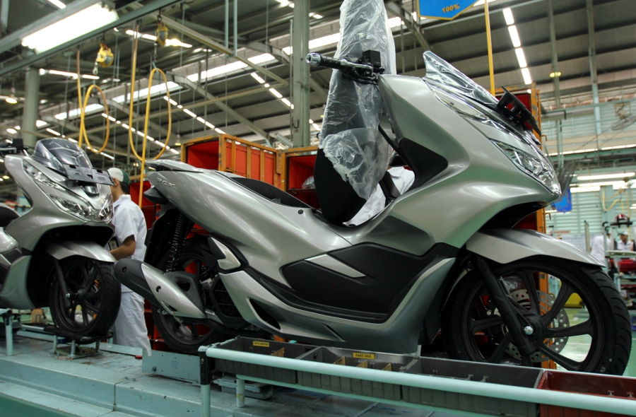 Warna Baru Honda PCX 150 2019, Warna Matte Silver Makin Elegan