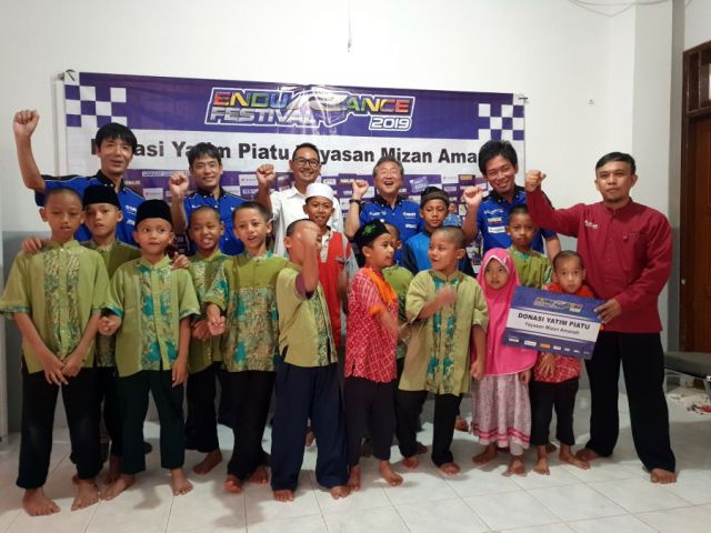 Yamaha Racing Indonesia dan Media Donasikan Hadiah Balap
