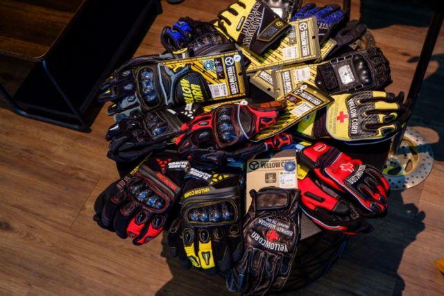 Koleksi Gloves Yellowcorn