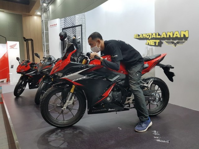 Review CBR150R 2021