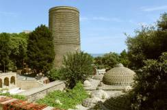 ichari-shahar-baku-wikimedia-commons-urek-meniashvili