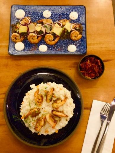 Camarão com arroz cremoso e camarão com lentilha