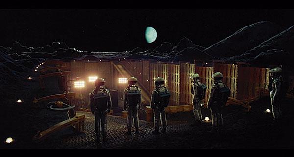 2001 E - 2001 : Una odisea del espacio. El amanecer de la CF