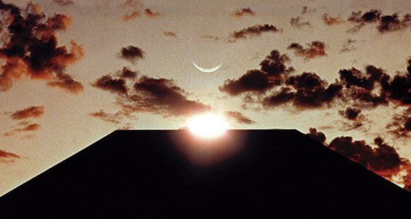 2001 H - 2001 : Una odisea del espacio. El amanecer de la CF