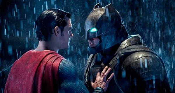 B12 - Batman v. Superman. La entrada a la Justice League