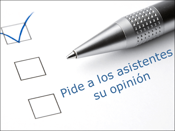 Pregunta a los asistentes su opinión