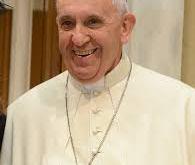 Papá Francisco se cayó en el Vaticano
