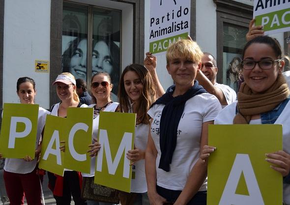 La actriz Antonia San Juan en una manifestación animalista. Foto: Flickr Creative Commons.