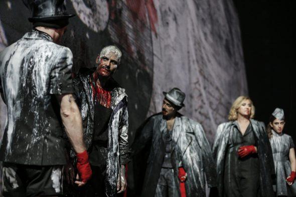 Una escena de 'Fausto' dirigido por Tomaz Pandur en el Centro Dramático Nacional.