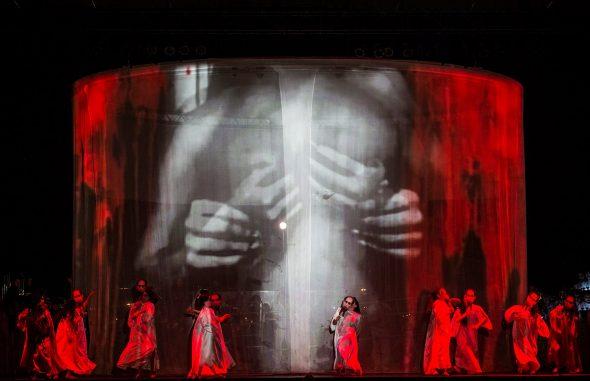 'Carmina Burana' en versión de La Fura dels Baus en los Teatros del Canal.