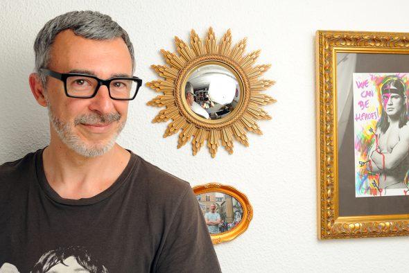 El escritor y periodista Paco Tomás. Foto: Roberto Villalón.