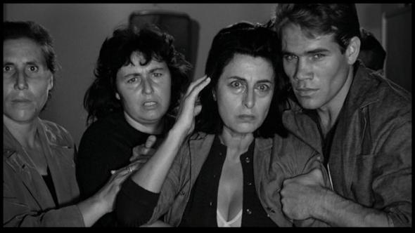 Fotograma de la película Mamma Roma de Pasolini.