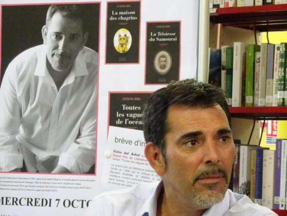Víctor del Arbol en una imagen extraída de su Facebook.