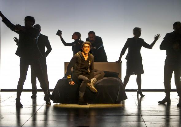 Una escena de Hamlet dirigida por Miguel del Arco. Foto: Compañía Nacional de Teatro Clásico.