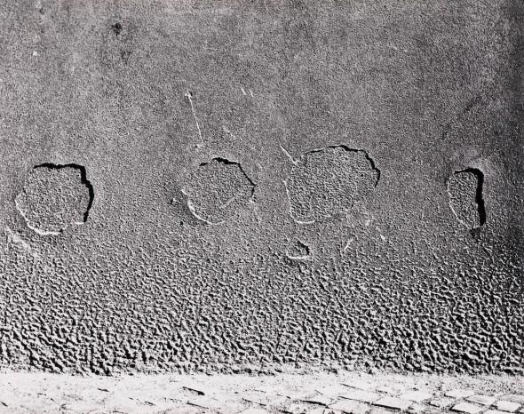Emila Medková. Čtyři kruhy [Cuatro círculos], 1962. Plata en gelatina. Copia de época, 40,5 x 51,5 cm. Colección Dietmar Siegert © Christian Schmieder.